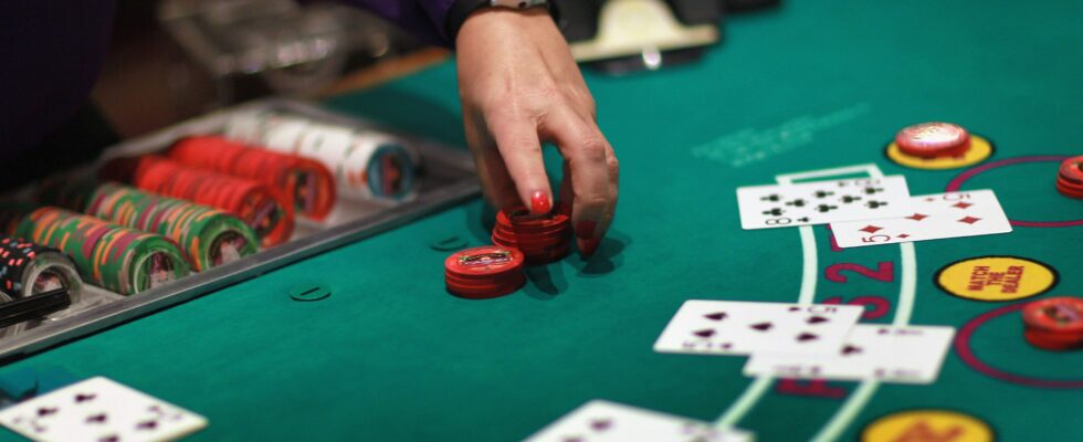 Earn Money Gambling